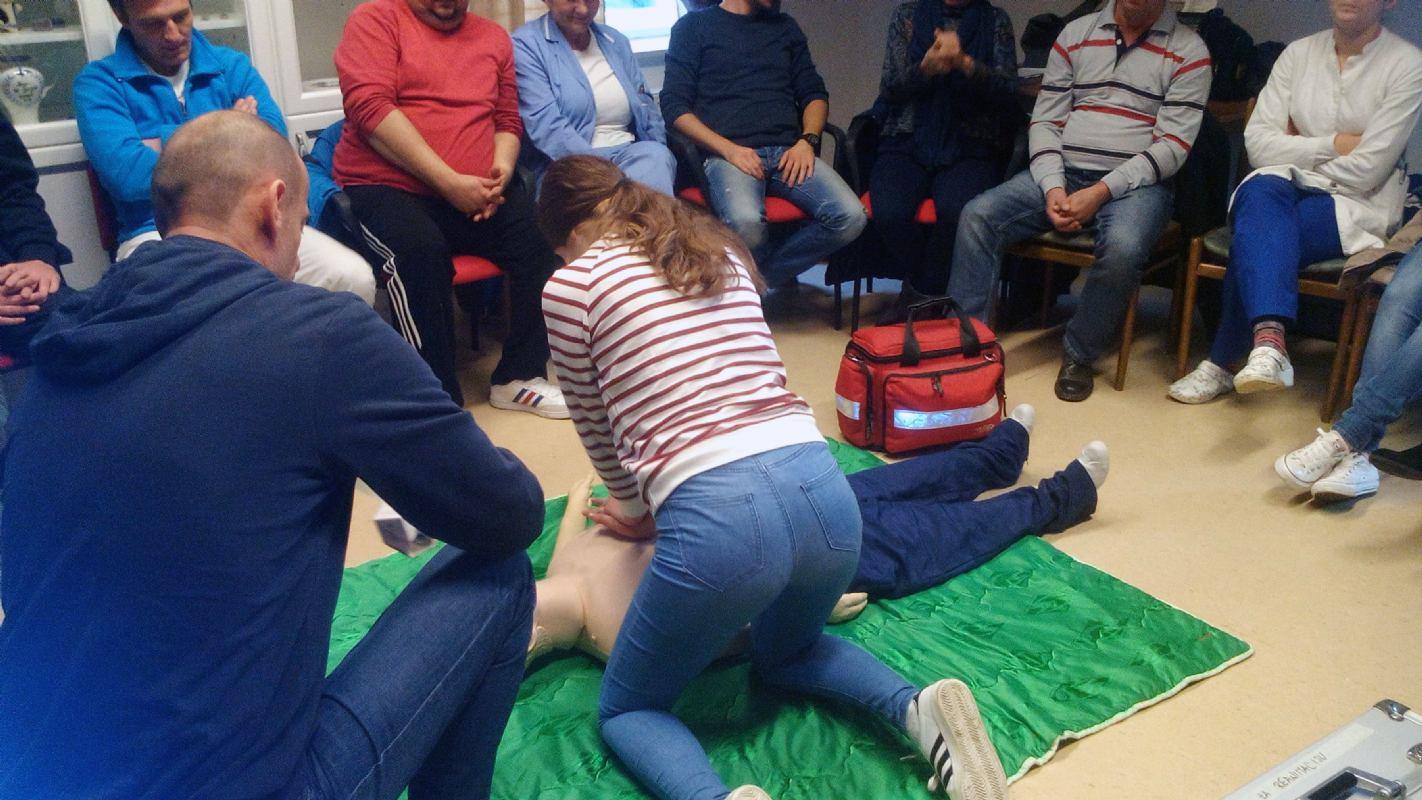 Prva grupa polaznika završila edukaciju - Basic Life Support