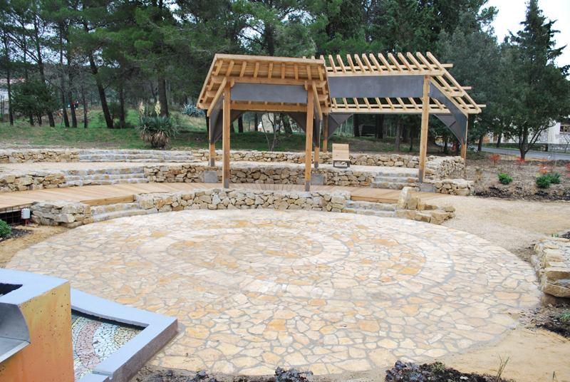 Terapijski vrt u PB Rab